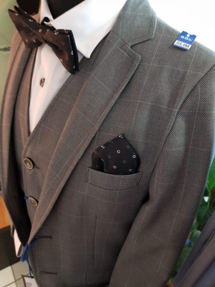 GOL grauer Anzug mit Weste.